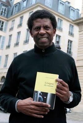 Dany Laferriere avce son livre, L'Enigme du retour