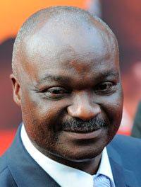 Roger Milla est un ancien footballeur camerounais à Yaoundé qui évoluait au poste d'avant-centre