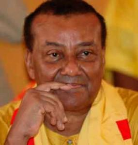 Gilchrist Olympio est un vétéran de la politique togolaise. Il fut imprégné dès son jeune âge de la vie politique de son pays, d'abord en suivant les échos des grandes réunions publiques auxquelles participait son père, le Président Sylvanus Olympio