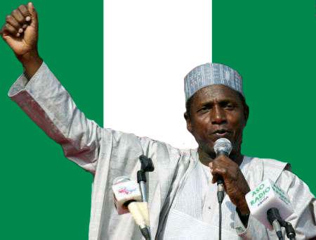 Umaru Musa Yar'Adua, né le 16 août 1951 à Katsina et mort le 5 mai 2010 à Abuja
