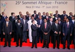 52 Etats africains ont été invités à participer au Sommet, ainsi que les représentants de l'Union européenne, de l'Organisation Internationale de la Francophonie, de l'Organisation des Nations Unies pour l'Alimentation et l'Agriculture, de la Commission de l'Union africaine et de la Banque Mondiale.