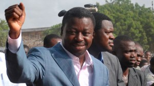 Faure Gnassingbé et son frère Kpatcha ont été accusé par l'ancien ministre de l'intérieur, François Akila Esso Boko, de considérer la présidence du Togo comme un héritage paternel. Cela vaut à Faure, par les togolais, le surnom de « Bébé Gnass ».