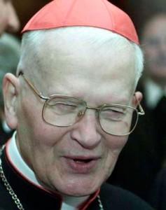 En 1995, Hans Hermann Groer est accusé d'avoir abusé de jeunes adolescents d'un pensionnat catholique.