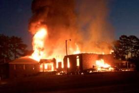 la Macedonia Church of God in Christ en feu
