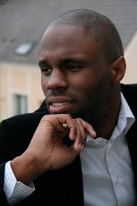 Kémi Séba (qui signifie « l'étoile noire » en égyptien ancien), né Stellio Capo Chichi, est un activiste panafricain français, porte-parole national du Parti kémite, fondateur de la Tribu Ka, puis de Génération Kémi Séba (GKS). Il est depuis le 14 avril 2010, « Ministre francophone » de l'organisation afro-américaine « New Black Panther Party For Self-Defense ».