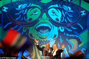 Le président sud-africain Jacob Zuma (à gauche) et président de la FIFA Sepp Blatter