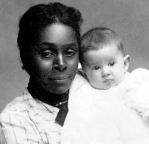Lillian Mabel Taylor a vécu au ruisseau Livingstone et à Whitehorse de 1902 à 1913. Elle a travaillé comme cuisinière et blanchisseuse, en plus d'exploiter des concessions minières.