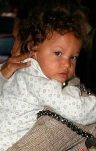 Halle Berry donne naissance à son première enfant, le 16 mars 2008, nommée Nahla Ariela Aubry.