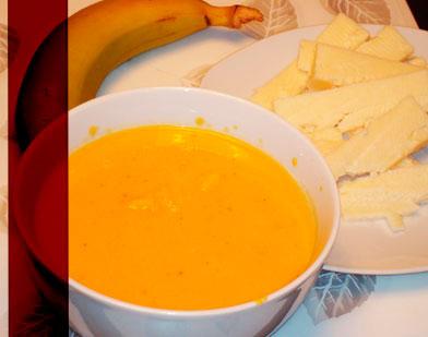 Le panais est plus riche en vitamines et minéraux que sa cousine la carotte. Il est particulièrement riche en potassium avec 600 mg aux 100 g. Le panais est aussi une bonne source de fibres alimentaires.