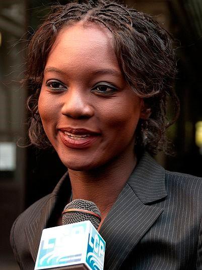 Née Mame Ramatoulaye Yade, on reproche souvent à Rama Yede son manque de solidarité gouvernementale lors de prises de position contraires à celles de l'UMP. Ainsi, le 6 septembre 2007, elle rend une visite de soutien à Aubervilliers à des squatteurs dont l'évacuation avait été décidée par la justice suite à la demande de la mairie communiste, ce qui lui vaut d'être convoquée le soir même par le Premier ministre