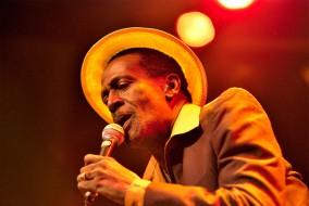 """Gregory Isaacs a été musicalement prolifique - il a publié plus de 500 albums de son vivant! Son dernier album, """"Brand New Me"""", est sorti en 2008."""
