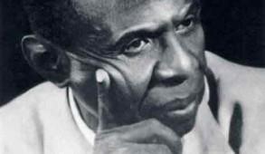 Jean Price Mars ou Jean Price-Mars est un médecin, ethnographe, diplomate, homme d'État, pédagogue, philosophe, essayiste et écrivain haïtien, né le 15 octobre 1876 à la Grande-Rivière-du-Nord, décédé le le 1ermars 1969 à Pétionville.