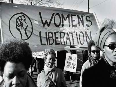 Ces féministes noires ont créé un mouvement politique d'une importance unique en ce que, d'emblée, il s'est constitué sur la dénonciation d'une oppression simultanée de race, de classe, de sexe et du modèle de sexualité qui va avec.