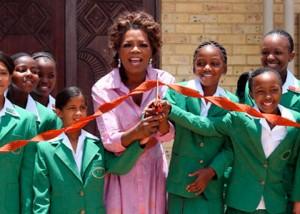 Le Leadership Academy for Girls, qui a ouvert ses portes en janvier 2007, vise à donner aux filles des milieux défavorisés une éducation de qualité dans un pays où les écoles ont du mal à surmonter l'héritage de l'apartheid.