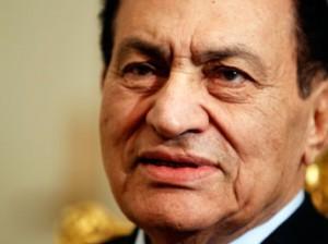 Mohammed Hosni Moubarak est né le 4 mai 1928. Après l'assassinat du président de la République Anouar el-Sadate, en octobre 1981, Hosni Moubarak lui succède au poste de chef du gouvernement et se présente à la présidence de la République, élection qu'il remporte le 14 octobre 1981