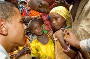 La famille Obama est une famille kényane qui appartient à l'ethnie luo. Dans son autobiographie, Barack Obama fournit une assez longue généalogie en ligne paternelle (12 générations au-dessus de lui) et indique que la famille vivait de l'élevage nomade dans la région de l'Ouganda avant de venir se fixer au Kenya, à Alego puis à Kendu Bay.