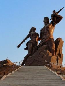 Le 3 avril 2010, le Monument de la Renaissance africaine est inaugurée pour le cinquantenaire de l'indépendance sénégalaise. Il s'agit de la plus grande statue au monde. Elle est haute de 52 mètres.