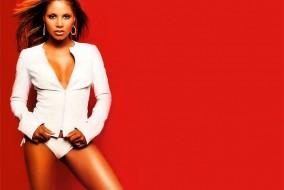 Toni Braxton sort son premier album en 1993. Celui-ci remporte trois Grammy Awards et devient neuf fois disque de platine. Sous la direction de Babyface, Toni Braxton prouvera son immense potentiel dans ses deux albums. Débutant au #1 des ventes au billboard 200 américain, il sera le seul et unique album de Toni à atteindre cette position.