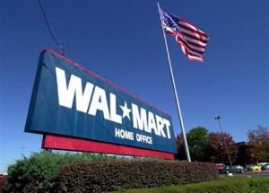 Le film-reportage américain, Wal-Mart, le géant de la distribution, de Rick Young et Hedrick Smith (2004) fait de Walmart un cas d'école sur les conséquences sociales et économiques de l'idéologie néolibérale à l'échelle d'un pays (les États-Unis) tout entier. Il montre notamment comment la majorité des fournisseurs de Walmart ont dû délocaliser leur production en Chine afin de respecter le cahier des charges exigé par Walmart.