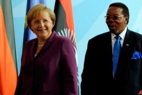 La chancelière allemande Angela Merkel, rencontre le président du Malawi Bingu wa Mutharika à Berlin, le jeudi 2 septembre 2010