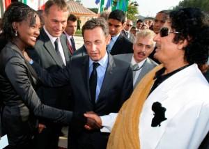 En juillet 2007, au lendemain de la libération des infirmières bulgares détenues en Libye, Rama Yade  rencontre, tout sourire, Mouammar Khadafi