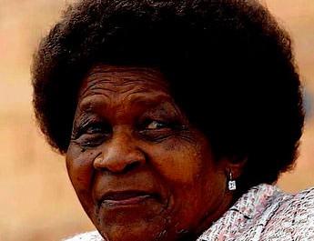 En 2004 Albertina Sisulu est voté 57e des plus grandes personnalités d'Afrique du Sud de tout les temps