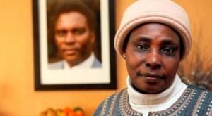 Agathe Habyarimana réclame le droit d'asile à la France qui l'a exfiltrée du Rwanda le 9 avril 1994 alors que débutait le génocide