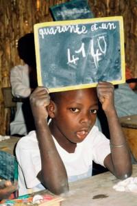 L'éducation au Sénégal est l'une des plus avancées sur le continent. Le Sénégal peut se targuer d'avoir un enseignement de qualité avec des équivalences de diplômes des universités étrangères les plus prestigieuses tant en France qu'aux États-Unis.