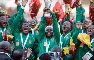 Les femmes camerounaises remportent l'Or aux Jeux Africains 2011. Malgré tout, de nos jours, le football féminin est encore très loin de posséder le même statut que son homologue masculin.