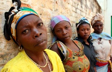 En septembre 2010, l'ONU rapportait plus de 600 viols de femmes et de filles le long de la frontière entre le RD Congo et l'Angola