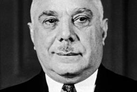 Rafael Leónidas Trujillo Molina (San Cristóbal, 24 octobre 1891- Ciudad Trujillo, 30 mai 1961) est un militaire et homme politique dominicain qui fut à deux reprises le président de la République dominicaine, mais de 1930 à sa mort en 1961, il exerce un pouvoir sans partage sur le pays, même sans titre officiel, il était El Jefe (Le Chef).