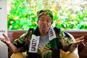 En 2006, le Magazine Forbes nommait Mme Sirleaf 51e femme plus puissante au monde. En 2010, Newsweek la classait parmi les dix meilleure chef d'État au monde, tandis que Time la compte parmi les dix premiers leaders féminins.