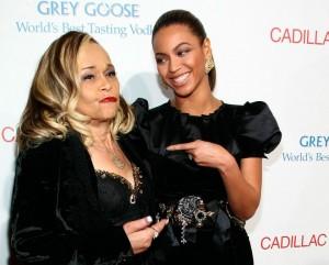 Etta James a soulevé la controverse dans un concert à Seattle en janvier 2009, lorsqu'elle a exprimé son mécontentement face à Beyoncé Knowles, qui quelques jours avant avait interprétée sa chanson, « At Last », à d'investiture de Barack Obama. Etta James a affirmé qu'elle « ne supporte pas Beyoncé» et qu'elle se ferait « botter le cul ». Plus tard la chanteuse a admis que ses remarques à propos de Mme Knowles étaient une blague, mais qu'elle était blessée qu'elle n'a pas été invitée à chanter sa chanson et qu'elle pouvait faire bien mieux.