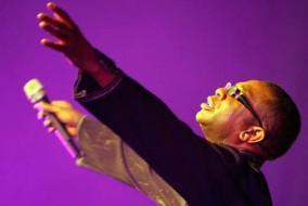 Chanteur engagé, Youssou N'Dour a organisé en 1985 un concert pour la libération de Nelson Mandela au Stade de l'Amitié de Dakar. Il a également organisé plusieurs concerts au profit de l'organisation humanitaire Amnesty International.