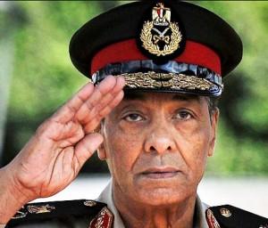 Le 11 février 2011, après 18 jours de révolte du peuple, le président Moubarak démissionne et laisse le pouvoir au ministre de la Défense et commandant en chef des forces armées égyptiennes, Tantawi. Il devient alors le chef de la junte militaire qui hérite du pouvoir sous le nom de Conseil suprême des forces armées, ce qui fait de lui le chef de l'État égyptien par intérim de facto.