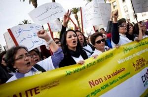 Dans son bilan des Droits de l'Homme, le Maroc a fait des progrès considérables depuis la fin des « années de plomb » du règne du roi Hassan II (1961-1999). Néanmoins, malgré la modernisation apportée par son fils le roi Mohammed VI, il y a encore place a de l'amélioration.