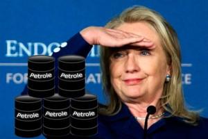 L'ancienne première dame américaine Hillary Clinton qui n'a jamais caché ses ambitions présidentielles est maintenant Secretaire d'États des états unis, pays mis en cause pour leur consommation élevée de pétrole, la non-ratification du protocole de Kyōto.
