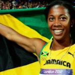 Près d'une heure et demie avant la victoire d'Usain Bolt, Shelly-Ann Fraser-Pryce se dirigea vers la plus haute marche du podium dans le 100 mètres féminin pour la Jamaïque dans la nuit de samedi. Comme Bolt, elle a réussi l'exploit de conserver son titre qu'elle avait remporté à Pékin quatre ans plus tôt.