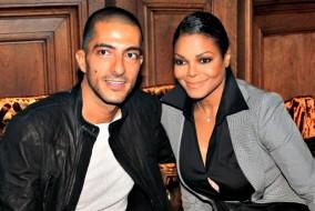 Selon une source proche de Janet Jackson, Wissam Al Mana la comble d'amour et de coûteux cadeaux, ce qui a grandement augmenté l'estime qu'elle a d'elle-même, l'aidant du coup à perdre du poids
