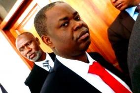 Justin Katinan a été accusé de conspiration d'assassinat de deux chefs d'assassinat quand il a comparu devant un juge d'Accra lundi.
