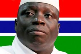 Malgré les critiques dues aux violations des droits et libertés des Gambiens, Yahya Jammeh bénéficie d'un fort soutien pour avoir présidé à une forte croissance économique, ainsi qu'à la construction de routes, d'écoles et d'hôpitaux
