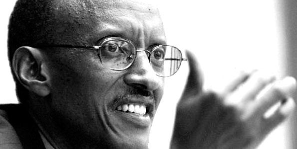 Après son mariage, Kagame fut envoyé, en juin 1990, aux États-Unis pour un stage de commandement militaire (Command Staff) à Fort Leavenworth au Kansas.
