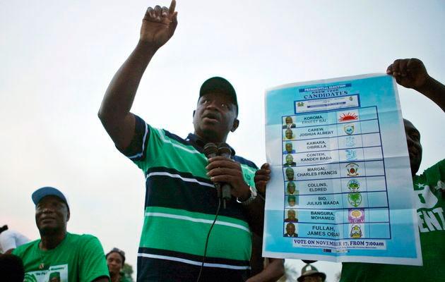 Avec une économie qui va de l'avant et le soutien de son groupe ethnique, les Temnés, le plus important du pays, M. Koroma devrait devancé le scrutin.