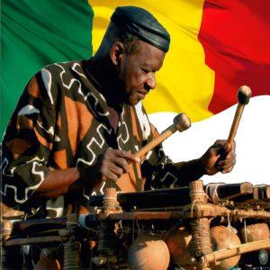 Outre le balafon, Kélétigui Diabaté maitrisait la guitare, la trompette, la flûte et le saxophone
