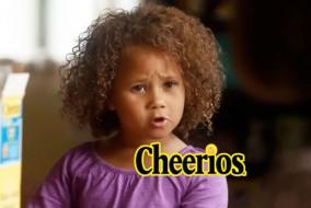 Samedi, en dessous de la vidéo de Cheerios, il y avait 11.924 « J'aime», contre 1.005 « pouces vers le bas.» L'annonce a été créée par la prestigieuse agence de publicité new-yorkaise Saatchi and Saatchi.