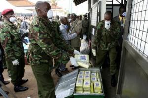 La situation chaotique de la Guinée-Bisau a autorisé certains groupes armés de solidifier leur emprise sur le pouvoir politique, en développant le contrôle du trafic de cocaïne et en jouant le rôle de faiseur de rois.