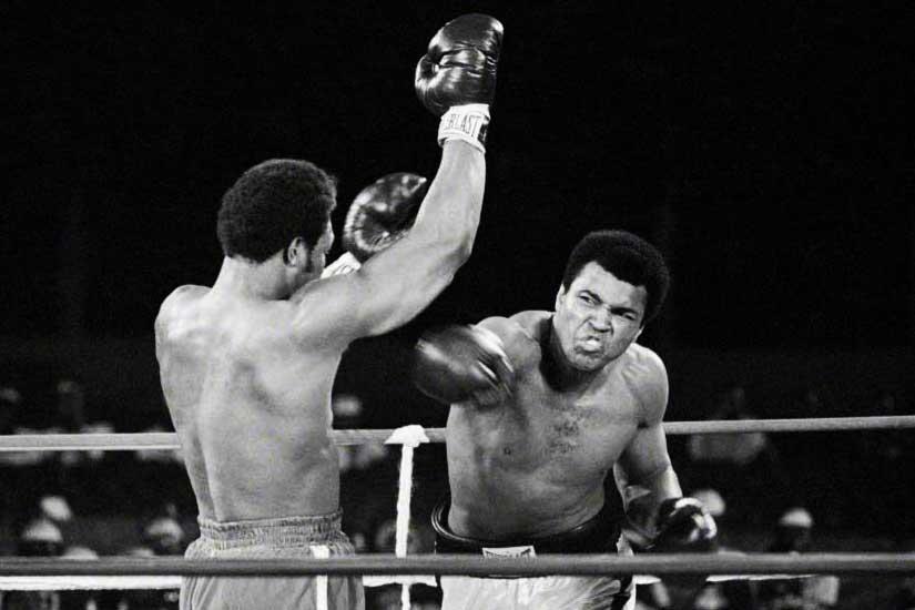 Dans quel ville africaine le boxeur Mohamed Ali fait-il son combat historique contre George Foreman en 1974 pour le titre de champion du monde poids lourds?