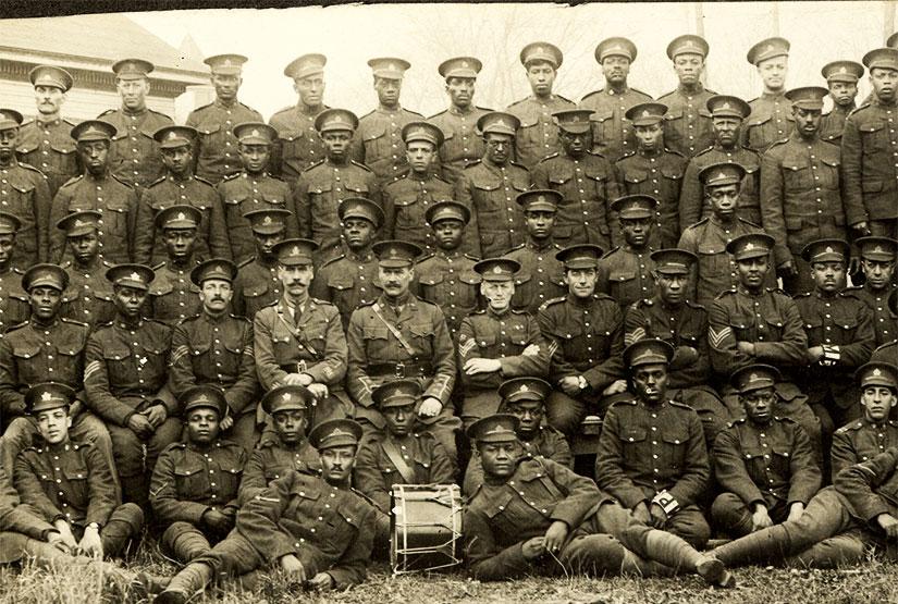 Quand fut mit sur pied le premier bataillon de Noirs de l'histoire du Canada?