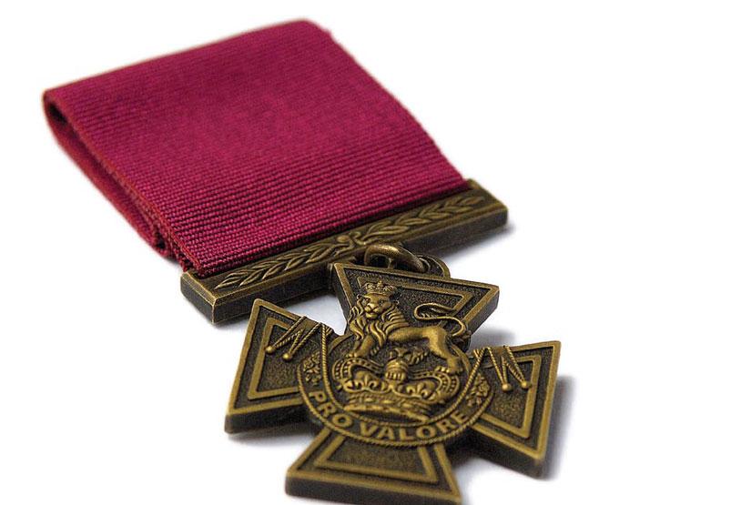 En quelle année William Hall reçu la Croix de Victoria, la distinction militaire suprême de l'armée britannique?