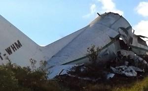L'Algérie observera trois jours de deuil à partir de mercredi pour les 77 personnes tuées dans l'écrasement d'un avion de transport militaire le 11 février 2014
